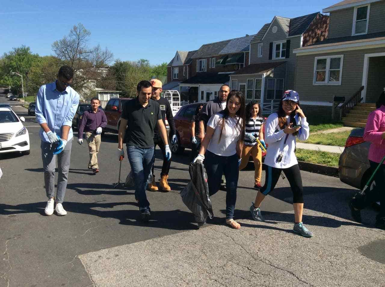 TAYR congregation members clean the streets of Brooklyn, Baltimore-min